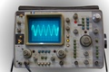 Hewlett-Packard 1741 oscilloscope memoire analogique sinus 1kHz