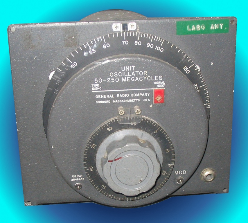 Generateur_boule_General_Radio_1215c_50_250MHz.JPG